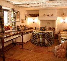 salón acceso- cocina manchega